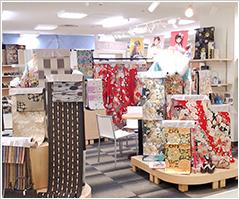 きもの京彩平塚店内写真3
